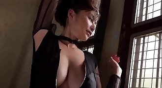 Japanese Beautifull Woman Show with Bikini