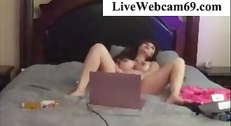 Asian Girl Caught Fingering her pussy @ LiveWebcam69.com