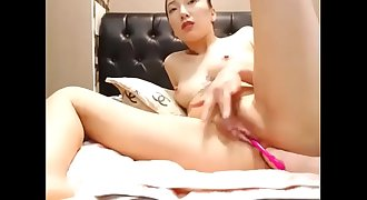 ❤ My Cute Asian Neighbor Having Fun ➤ Converse with her @ CUMCAM.COM