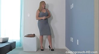 Cute chunky white chick deepthroats her first monster black hard-on