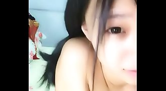 chinese teens live chat with mobile phone.53